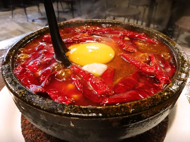 火曜サプライズで瑛太と新垣結衣の食べた激辛『地獄谷の麻婆豆腐』の店の場所に価格は?辛い物大好物?