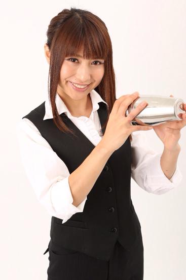 富田晶子の経歴や年齢や3サイズにお店は何処?元ギャルアイドルでホームレスは対人恐怖症のフレアバーテンダー世界一【激レアさん】